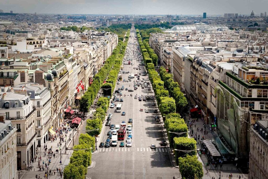 best neighborhoods in paris with view of champs elysees