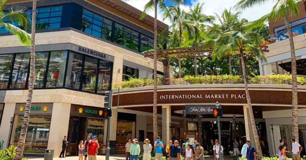 Where to go shopping in Oahu international market place