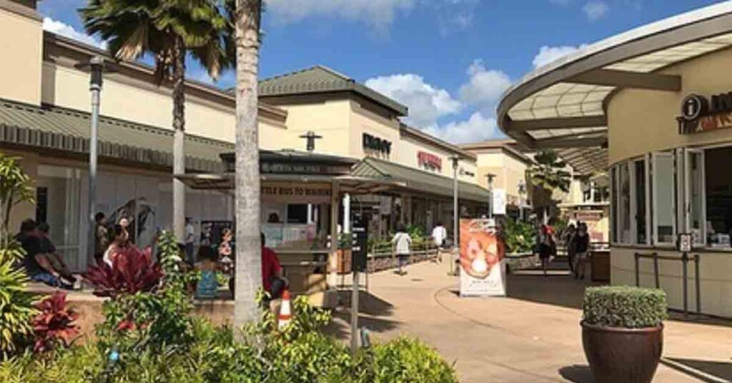 Where to go shopping in Oahu waikele premium outlet