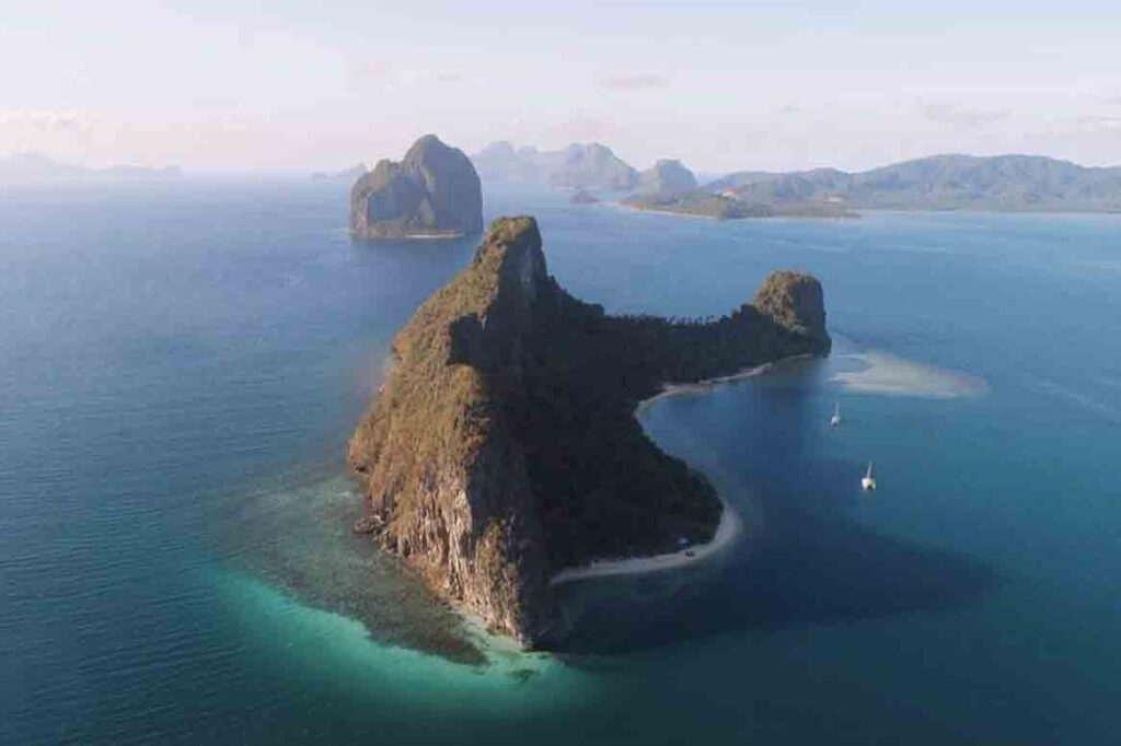 helicopter island tour c in el nido